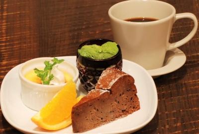 Dessert & Drink Set(Assorted Desserts)